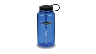 Mit der Trinkflasche im Gepäck bleibt dein Durst gelöscht. Trinken ist sehr wichtig!