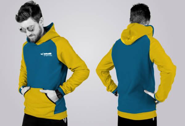 Der TOASTED THERMIC - Hoodie im Standard - Schnitt mit Tasche: die Front und der Rücken sind ungeteilt und die Ärmel- und Bündchenfarben sind links und rechts jeweils gleich. Auf der Front ist eine Tasche.